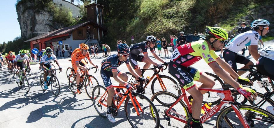 Auf Etappe eins führt der Weg für die Rad-Asse der Tour of the Alps von Kufstein aus auf dem Rundkurs dreimal durch Mariastein.