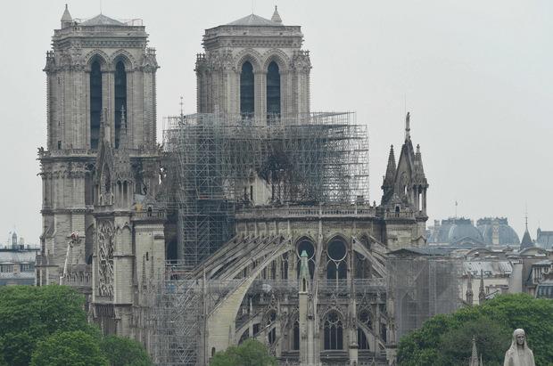Die Rettung der Kathedrale vor dem Einsturz war nach Angaben der Regierung noch knapper als angenommen.