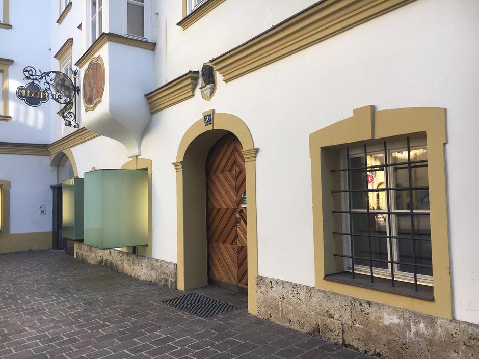 Ein Jugend-Kultur-Café soll in den Räumlichkeiten der Hinterstadt 30 zwischen BH-Hof und Museum Kitzbühel entstehen.