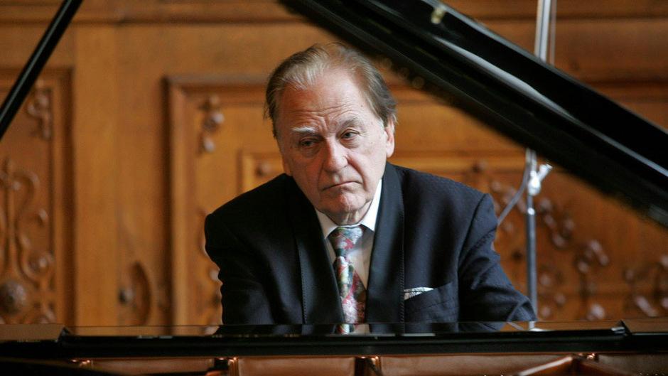 Der österreichische Pianist Jörg Demus.