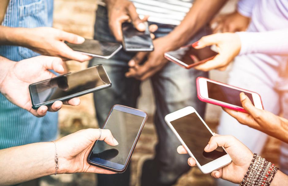 Jeder hat es, jeder braucht es. Das Smartphone ist nicht mehr wegzudenken aus unserer Gesellschaft.