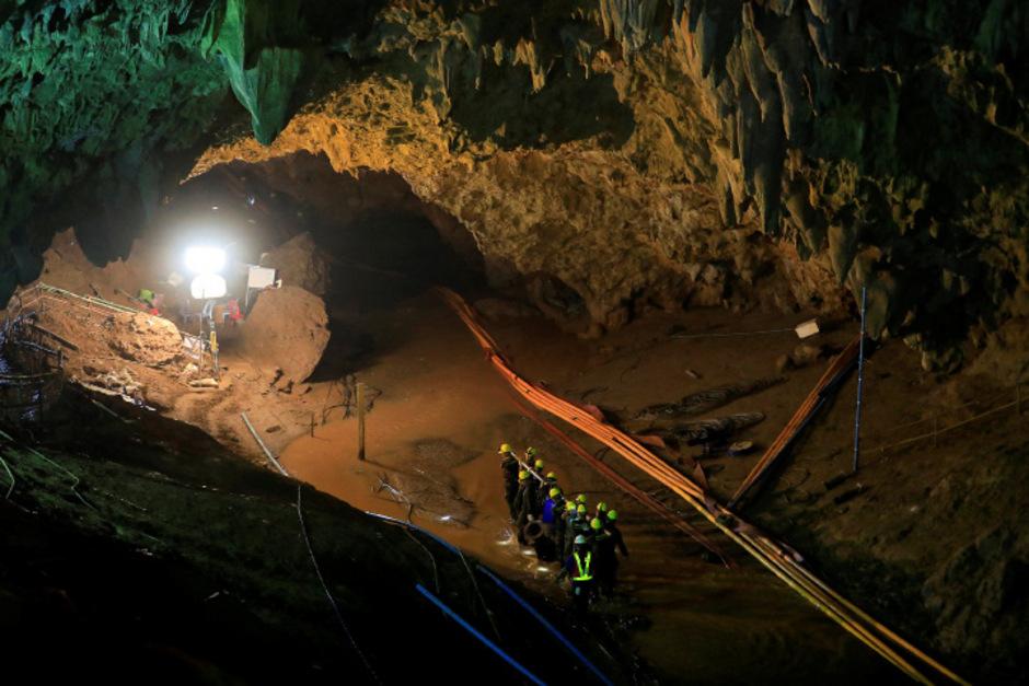 Mit großem Aufwand und Hunderten Helfern gelang es im Juli, die zwölf in einer überschwemmten thailändischen Höhle eingeschlossenen Jungen zu retten.