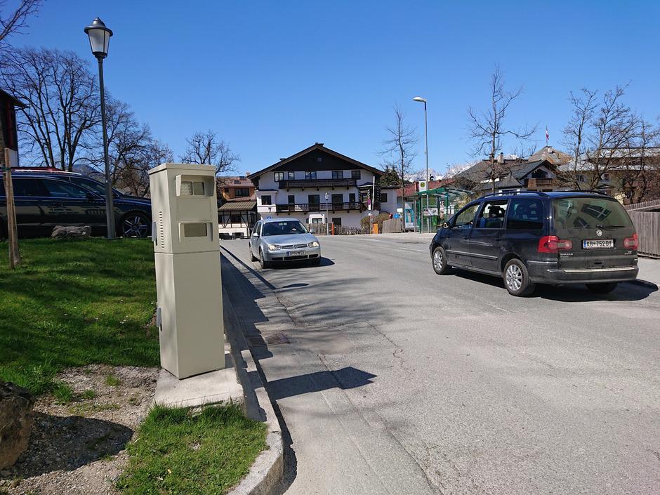 Die aufgestellten Radarkästen in Kitzbühel haben sich in kaum drei Monaten schon fast amortisiert.
