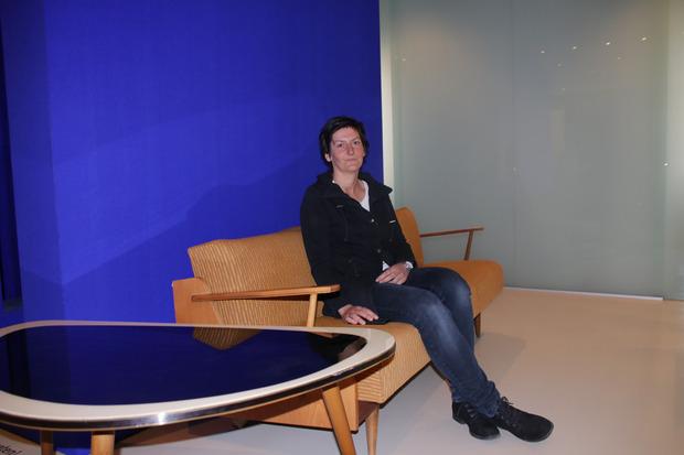 Sabine Schuchter lädt zur Zeitreise mit Dokumenten von damals.