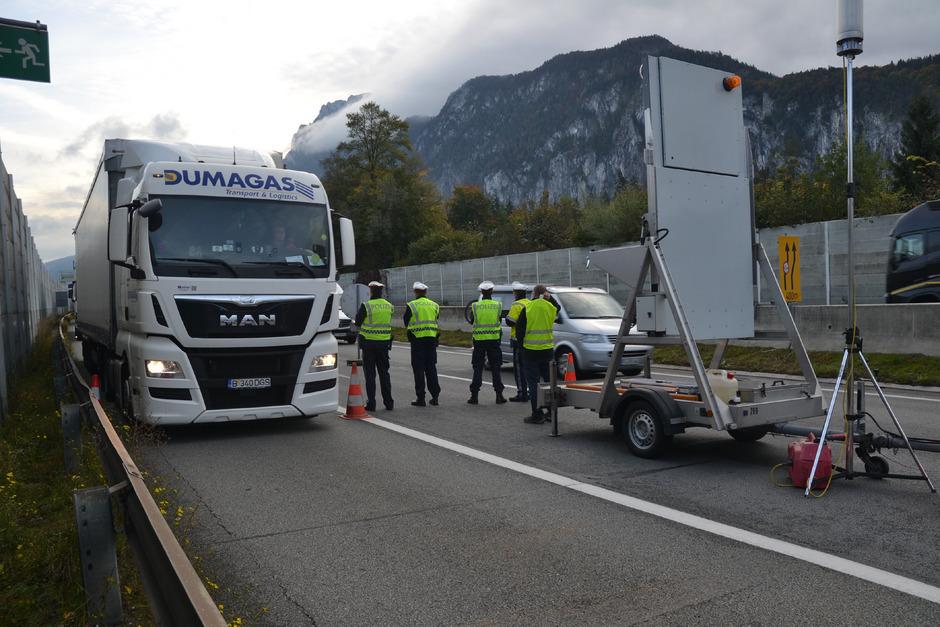 In den nächsten zwei Wochen werden beginnend mit Mittwoch nach Ostern vier Lkw-Blockabfertigungen in Kufstein durchgeführt.