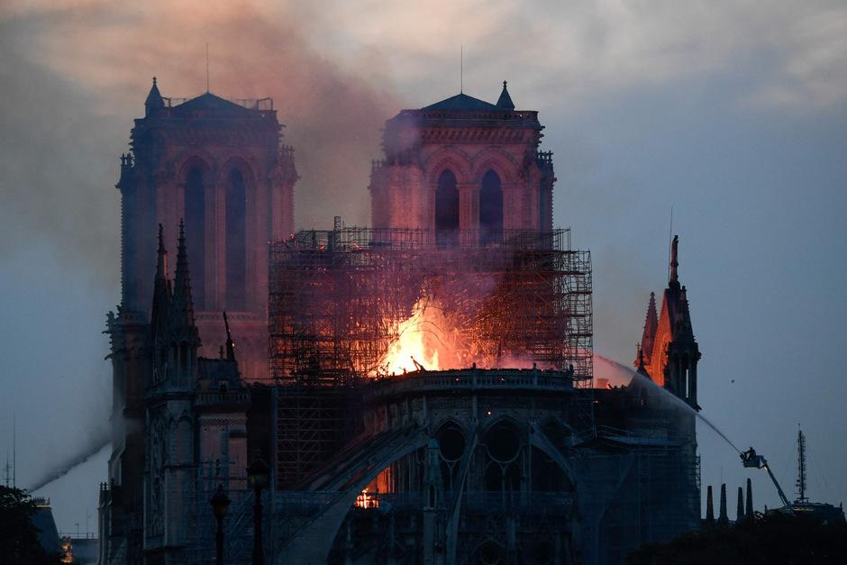 Das Großfeuer von Notre-Dame löste weltweit Betroffenheit und Anteilnahme aus.