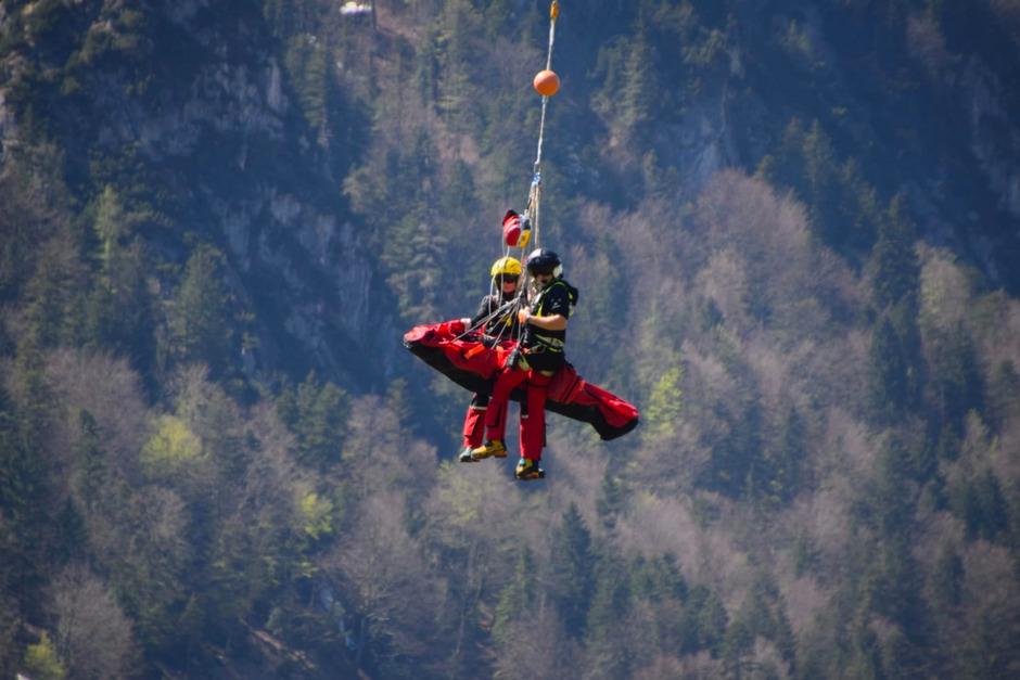 Bei der Bergung des Verletzten waren die Bergrettung Kufstein, der Notarzthubschrauber und Polizei Niederndorf im Einsatz.