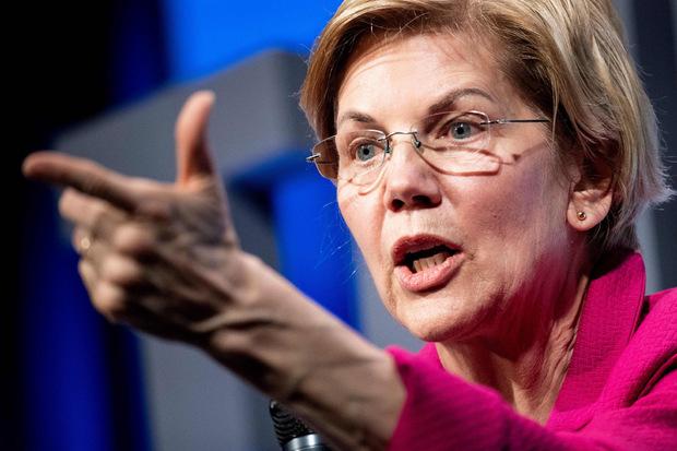 Als erste demokratische Präsidentschaftsbewerberin forderte Senatorin Elizabeth Warren zur Einleitung eines Amtsenthebungsverfahrens auf.