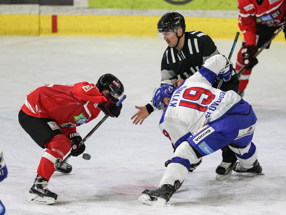 Österreichs Eishockey-Team hielt in Innsbruck die Spannung hoch.