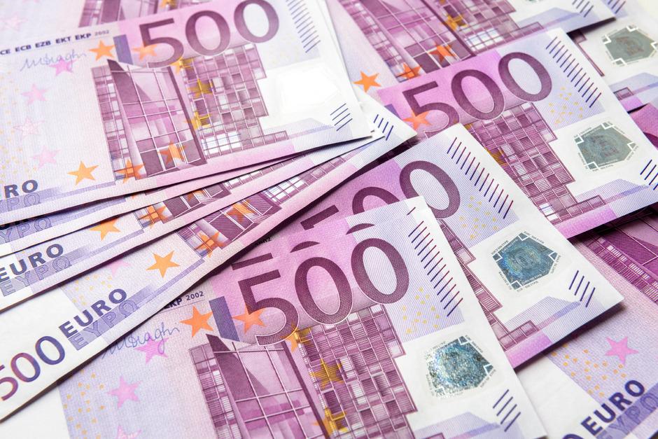 Die noch im Umlauf befindlichen 500-Euro-Scheine bleiben gesetzliches Zahlungsmittel und sind unbegrenzt umtauschbar.