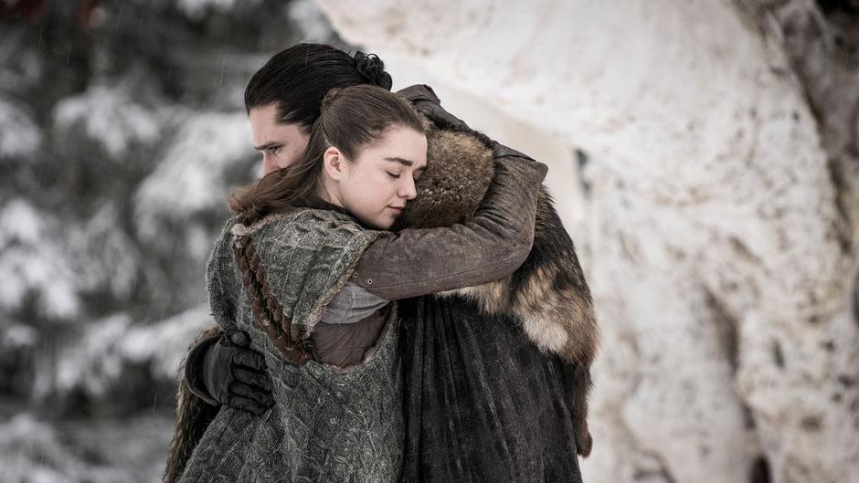 Zu Beginn der finalen GoT-Staffel, die auf Sky Atlantic ausgestrahlt wird, konnten sich Arya und Jon Snow nach Jahren der Trennung wieder in die Arme schließen. Zum Ende der Kultserie erscheint am Freitag ein neuer Soundtrack.