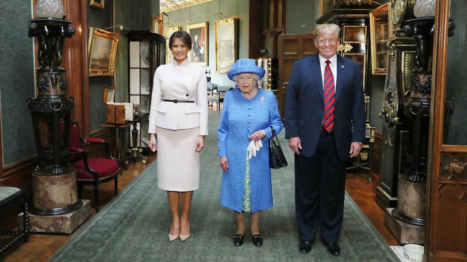 Queen Elizabeth und ihr Mann Prinz Philip empfingen Donald und Melanie Trump zum Tee auf Windsor Castle.