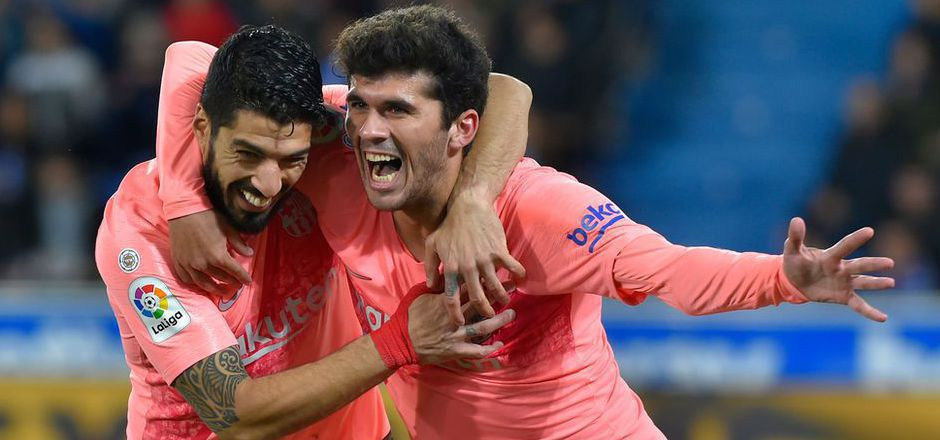 Barca-Torschützen unter sich: Luis Suarez und Carles Alena.