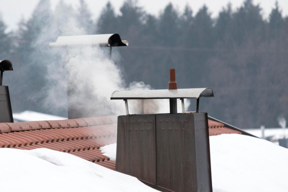 Weniger fossile Brennstoffe sollen künftig in den Haushalten rund um Wörgl die Kamine zum Rauchen bringen.