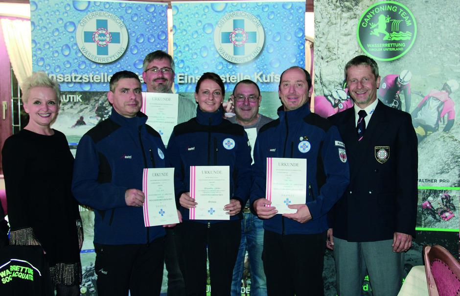 Für langjährige Dienste wurden mehrere Mitglieder geehrt, im Bild mit Kufsteins VBM Brigitta Klein (l.) und Obmann Michael Stock (r.).