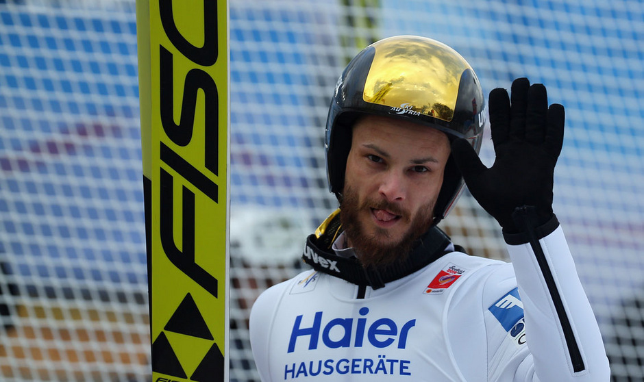 """Von wegen """"Auf Wiedersehen!"""" - Manuel Fettner hebt auch kommende Saison im Weltcup ab."""