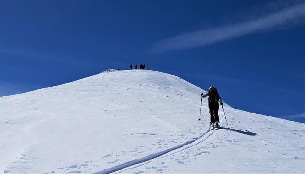 Es folgt der Abstecher zum Gipfel des Paffenkogels.
