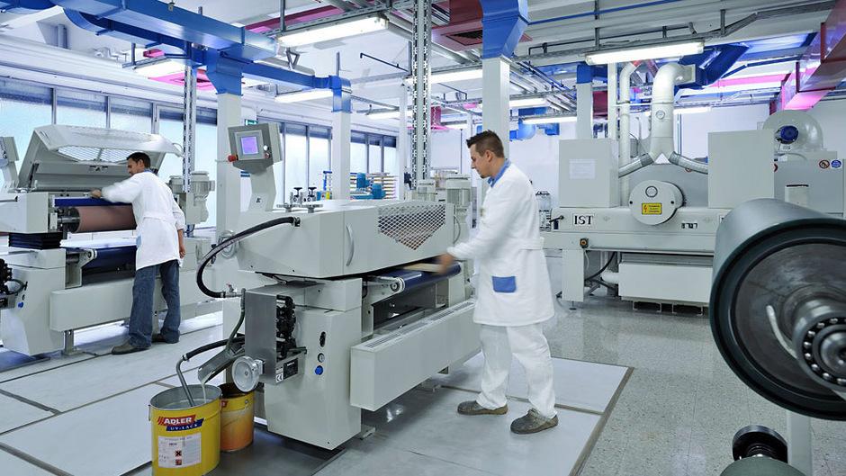 Adler Lacke Investierte 60 Mio Euro In Fabrik Und Logistikzentrum