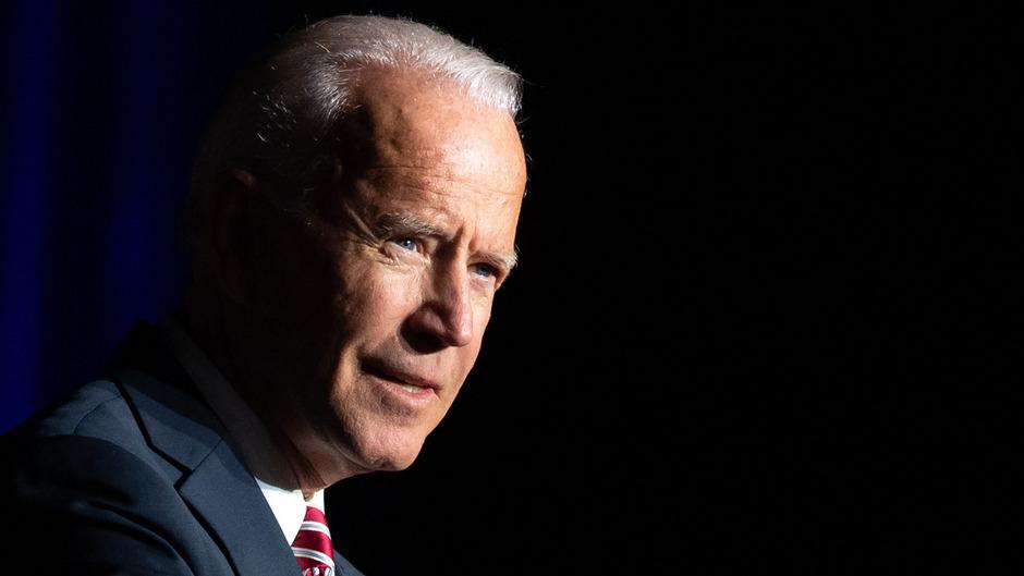 Seit Wochen führt Biden die Umfragen unter den demokratischen Anwärtern seit an – er wurde dort bisher als potenzieller Bewerber gelistet.