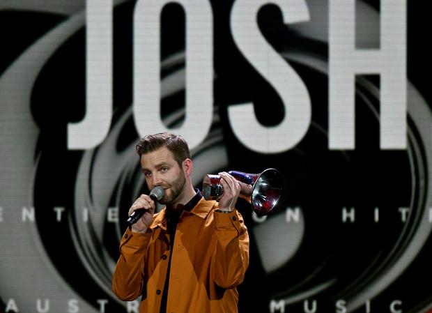 """""""Cordula Grün"""" von Josh wurde der Song des Jahres und riss seinen Schöpfer zu Freudentränen hin."""