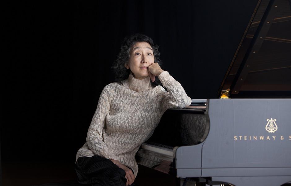 Mitsuko Uchida wird im ersten Meisterkonzert zwei Klavierkonzerte von Mozart spielen.