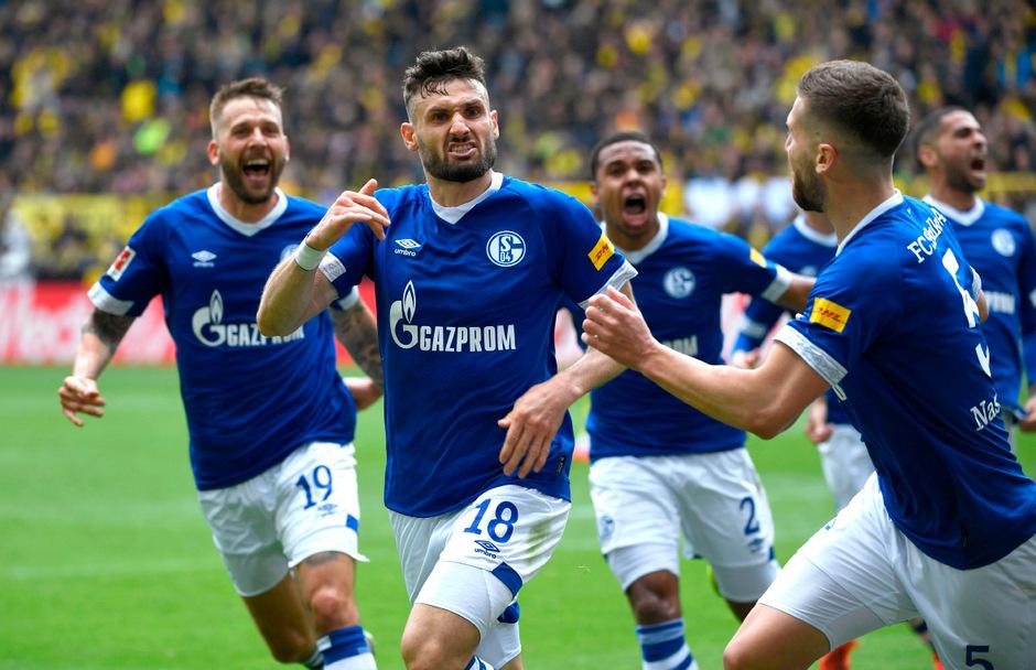 Daniel Caligiuri avancierte mit zwei Treffern zum Matchwinner für Schalke.