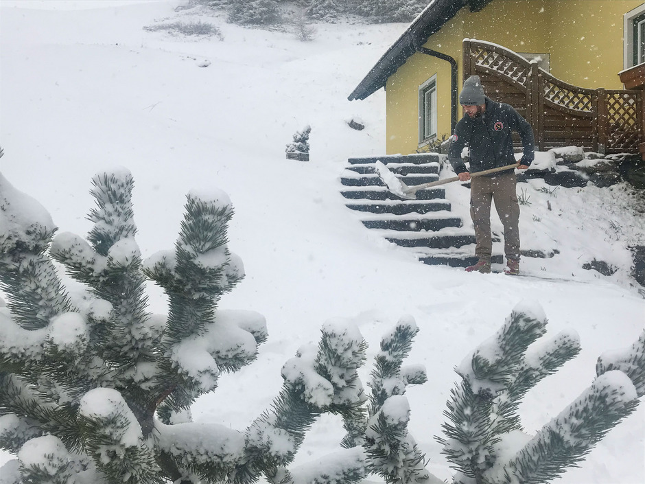 Schnee gab es am Sonntag im Lungau in Salzburg, hier am Katschberg.