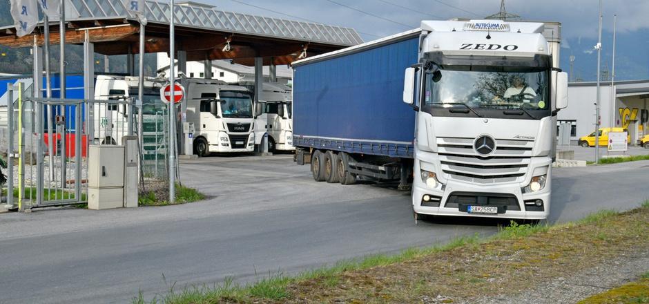 An 22 Tagen gab es rund um die Lkw-Billigdiesel-Tankstelle in Fritzens nicht weniger als 97 Staus.