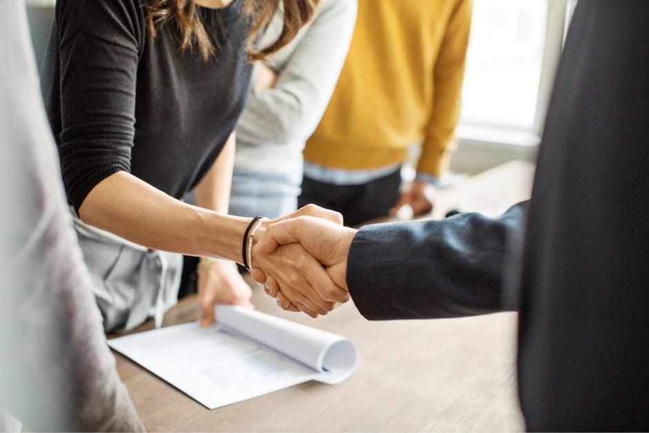 Jobs bei Gemeinden und gemeindenahen Einrichtungen helfen, am Arbeitsmarkt wieder Fuß zu fassen.