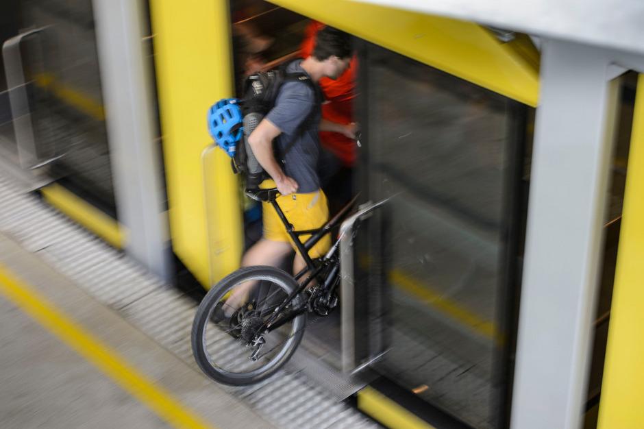 Im Mai dürfen Downhill-Biker nicht in die Hungerburgbahn.