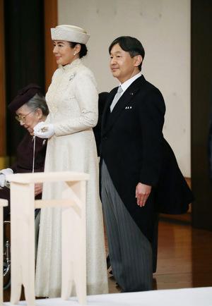 Um Mitternacht geht das Kaiseramt offiziell auf Naruhito über.
