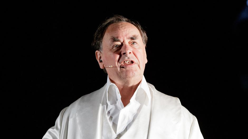 Johann Adam Oest wirkte an 68 Inszenierungen in Wien mit.