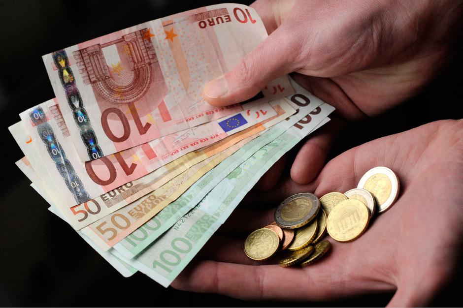 Österreicher zahlen weiterhin auch gerne mit Bargeld.