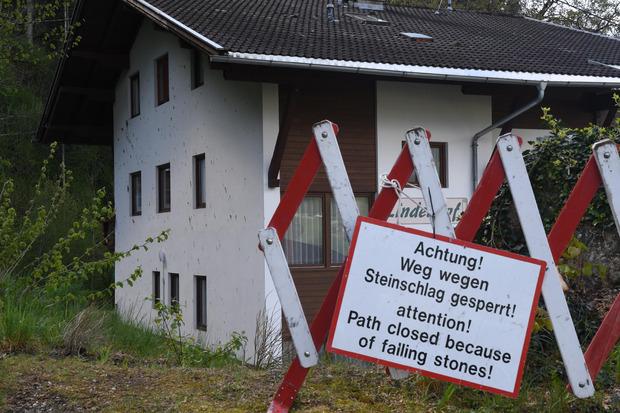 Die Umgebung um die evakuierten Häuser wurde gesperrt.