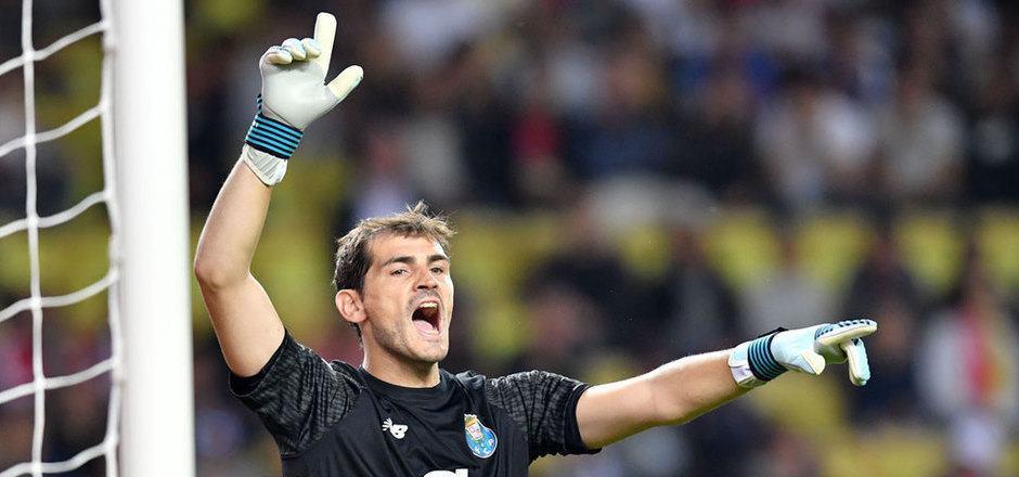 Porto-Goalie Iker Casillas.