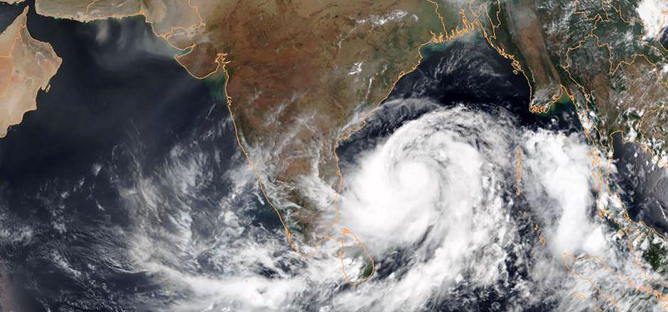 """Zwischen April und Dezember werden der Osten und der Südosten Indiens regelmäßig von Stürmen getroffen.  2017 kamen infolge des Zyklons """"Ockhi"""" mehr als 250 Menschen ums Leben."""