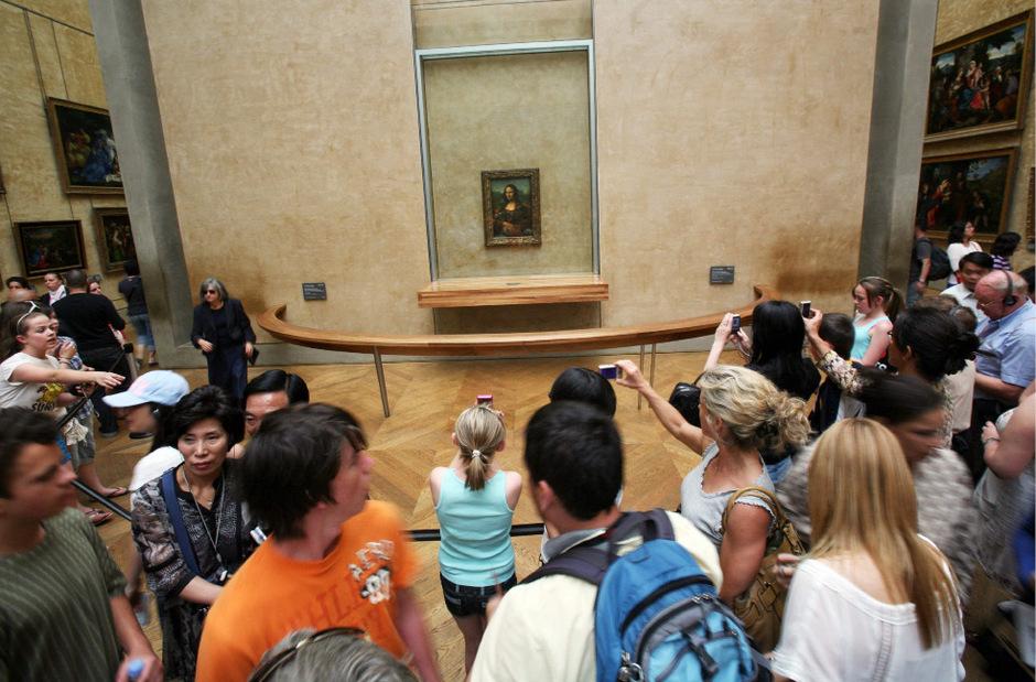 Die Mona Lisa, das weltberühmte Bild, das Leonardo da Vinci vor mehr als 500 Jahren geschaffen hat, lockt alljährlich Millionen von Besuchern an.