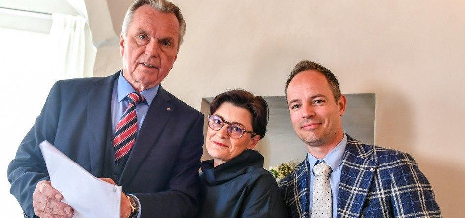 Die FPÖ-Spitze zog gestern Bilanz, ein Jahr nach der Gemeinderatswahl: StR Rudi Federspiel, StR Andrea Dengg und KO Markus Lassenberger (v.l.) übten heftige Kritik an der Viererkoalition.