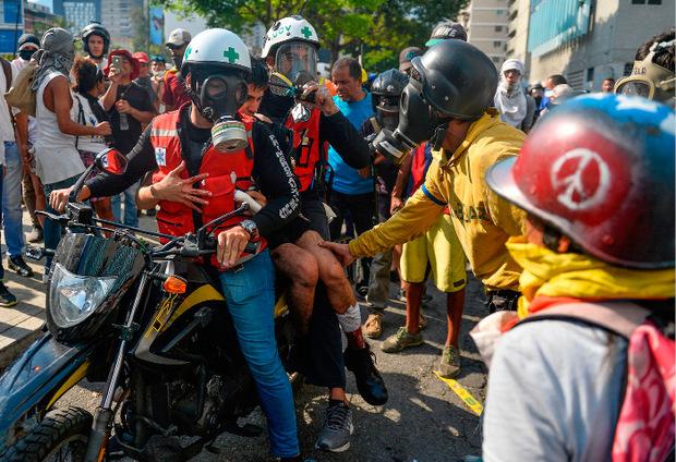 Tausende Menschen sind am Donnerstag auf die Straße gegangen. Laut Opposition gab es mindestens vier Tote.