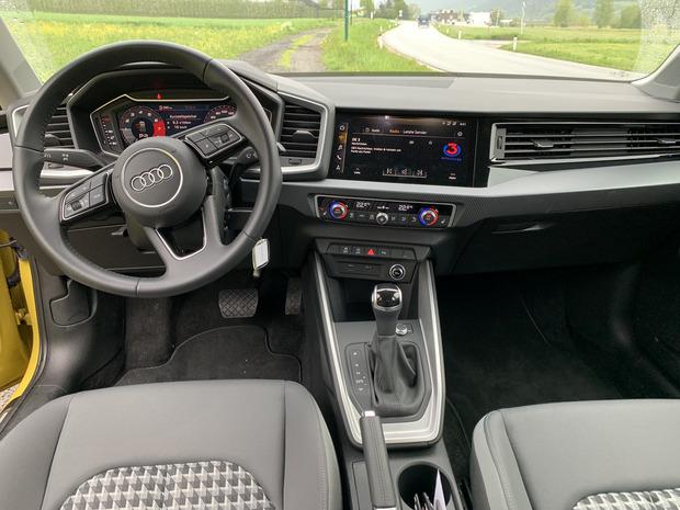Auch wenn mehr Hartplastik als beim Vorgänger zum Einsatz kommt: Die Materialanmutung im Innenraum ist – typisch für Audi – auf hohem Niveau.