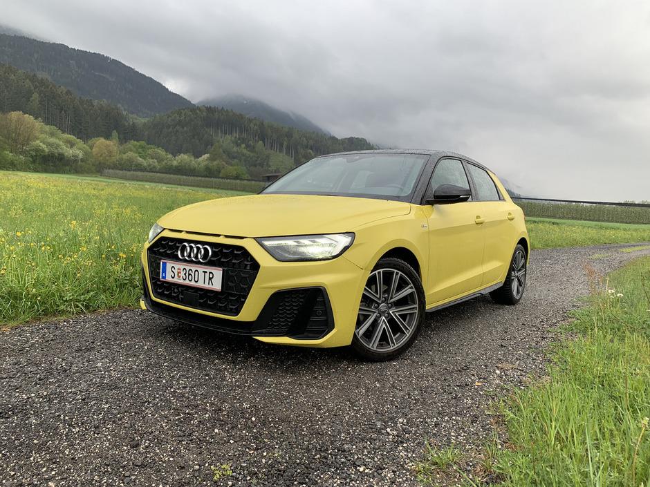 Der markante Kühlergrill des Audi A1 wird für den entsprechenden Eindruck im Rückspiegel der Konkurrenz sorgen.