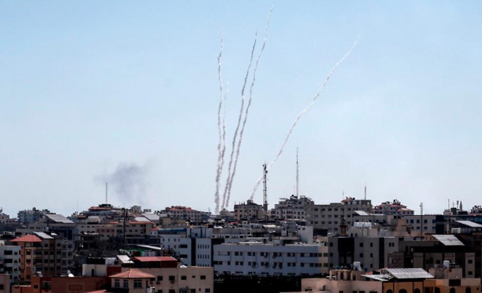 Dutzende Geschosse wurden über die israelische Grenze abgefeuert.