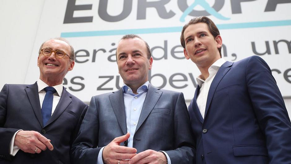 ÖVP-Spitzenkandidat Othmar Karas, EVP-Spitzenkandidat Manfred Weber und Bundeskanzler und ÖVP-Chef Sebastian Kurz beim Wahlkampfauftakt in Wien.