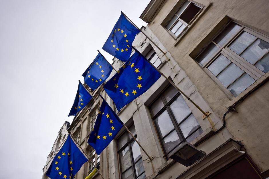 In drei Wochen sind Europawahlen. Doch kennen wir von der EU auch mehr als nur die Farbe der Europafahne?
