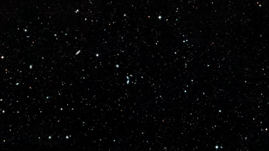 Die Legacy-Field-Aufnahme ist die größte, die heute mit Teleskopen machbar ist.