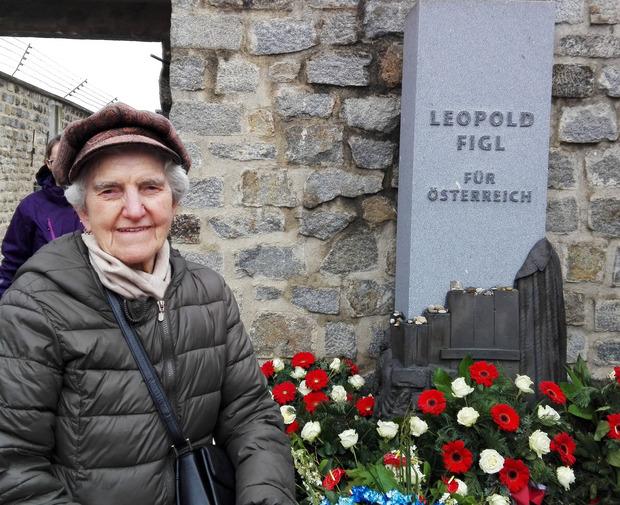 Die Zeitzeugin Anna Hackl (88), deren Familie bei der sogenannten Mühlviertler Hasenjagd geflohenen KZ-Häftlingen unter Lebensgefahr Unterschlupf geboten hatte.