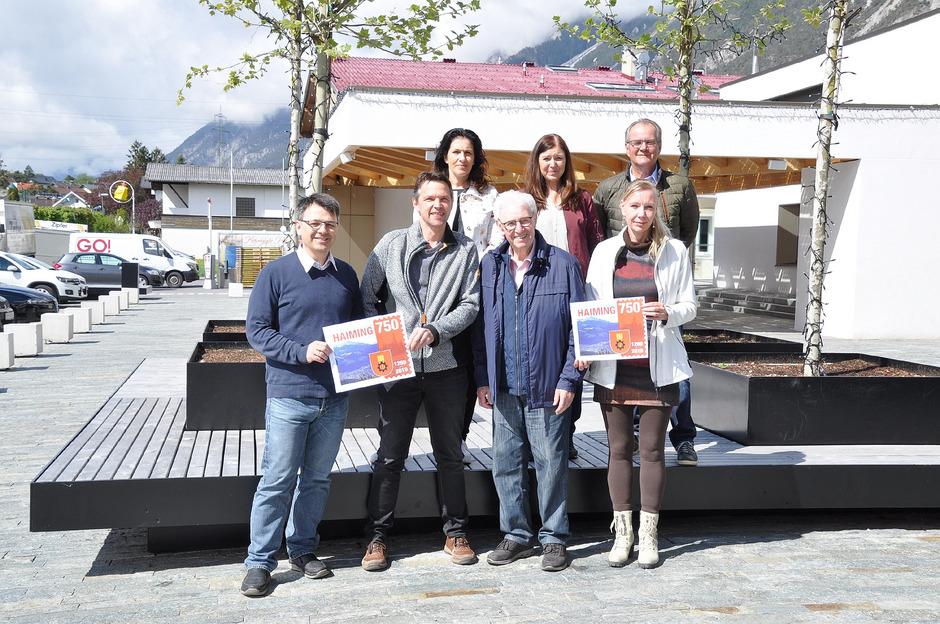 Der Kulturraum Haiming unter Obmann Toni Raffl (M.) präsentiert das Programm zum Jubiläumsjahr.