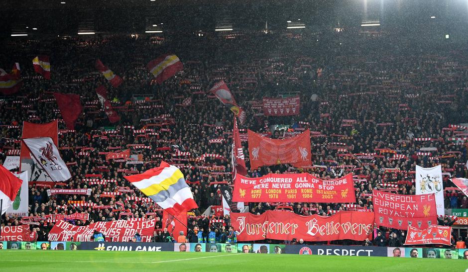Die phantastischen Fans an der Anfield Road sollen helfen, dass der FC Liverpool heute im Champions-League-Halbfinale gegen Barcelona das Unmögliche möglich macht.