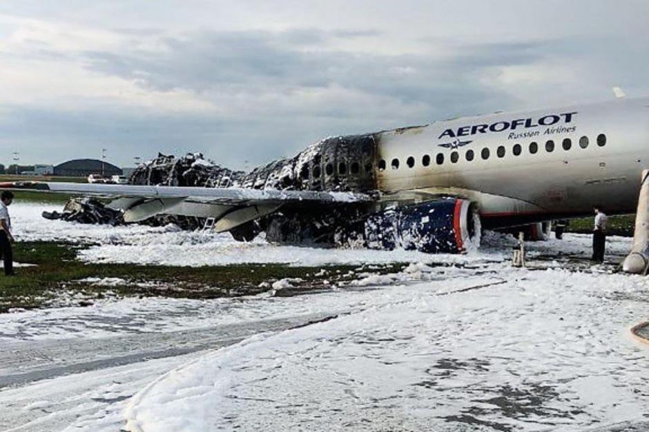 Das Flugzeug wurde zwar schnell gelöst, für 41 Passagiere kam dennoch jede Hilfe zu spät.