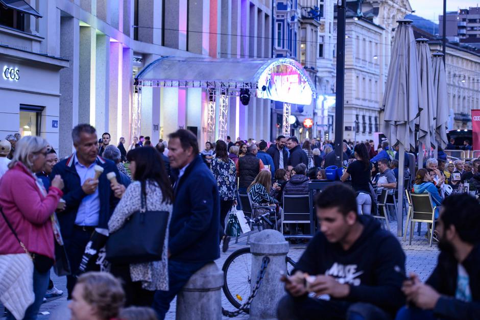 """Flanieren, Einkaufen, Tanzen heißt es am Freitagabend wieder bei """"Ganz Innsbruck tanzt"""" in der Innenstadt."""